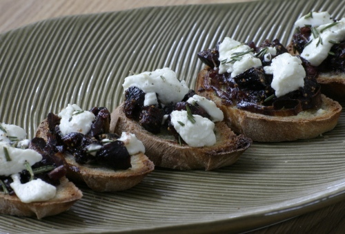 Sweet Onion, Fig and Goat Cheese Bruschetta