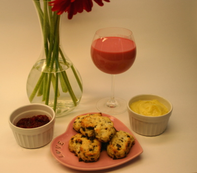 Valentine's Breakfast: Sweetheart Smoothies and Heart Scones | eggs ...