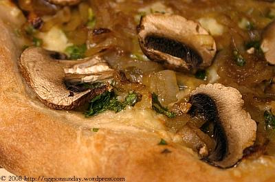 pizza_caramelizedonionmushroomgruyere_2.jpg