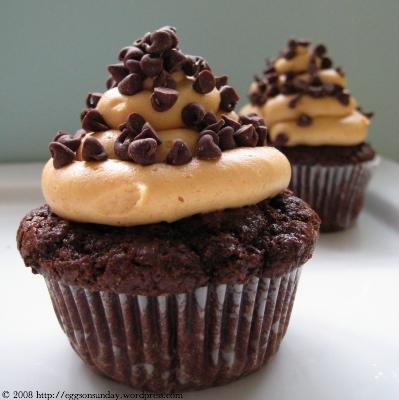 Barefoot Contessa Chocolate And Peanut Cupcakes