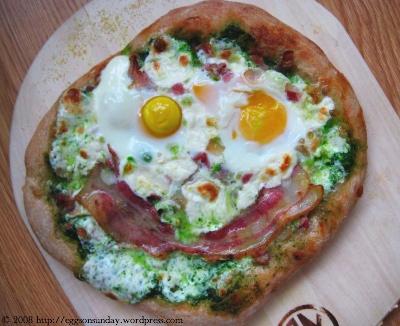 pizza_baconeggspinachpesto_1