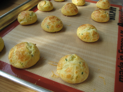 appetizers_goatcheeseherbgougeres_10