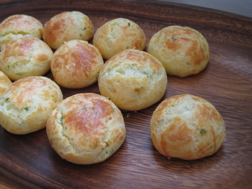 appetizers_goatcheeseherbgougeres_11