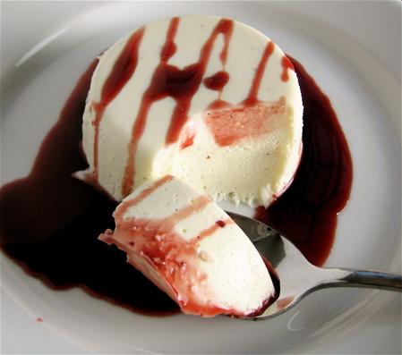 desserts_vanillayogurtpannacotta_5