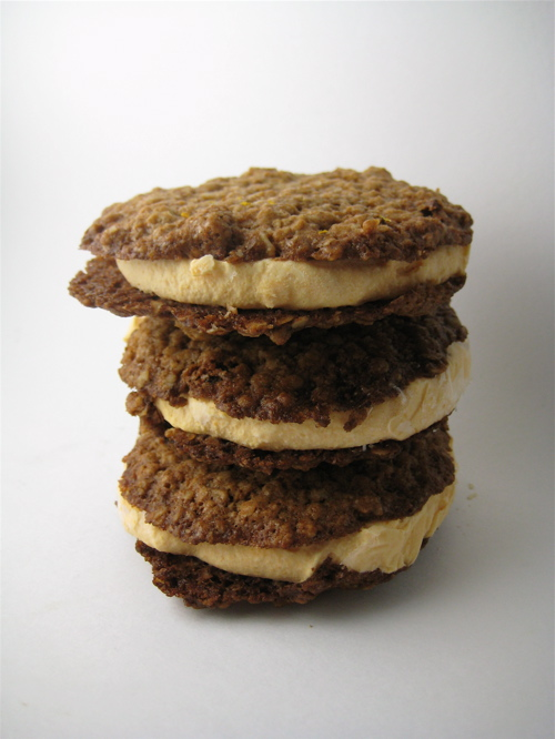 dessert_apricotoatmealicecreamsandwiches_13